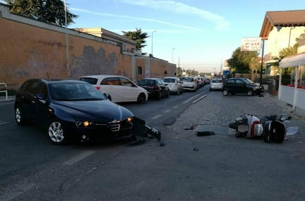 Incidente a Ciampino: scontro tra auto e furgone, donna estratta dalle lamiere