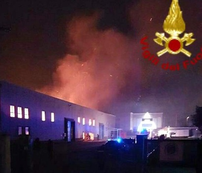 Deodati Ecocar : Incendio in cartiera Pomezia vicino a EcoX