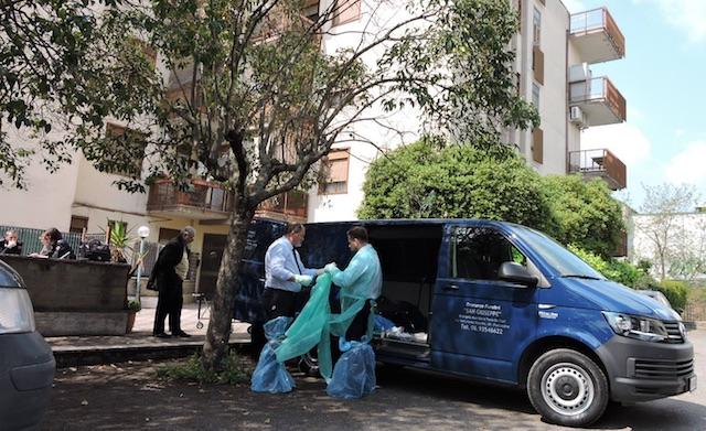 Ciampino: 77enne scivola, cade nella vasca da bagno e muore annegata