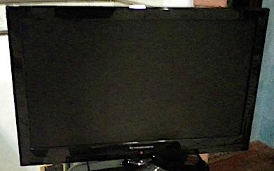 televisore spento ilmamilio
