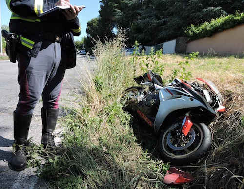 incidente moto2 genzano ilmamilio