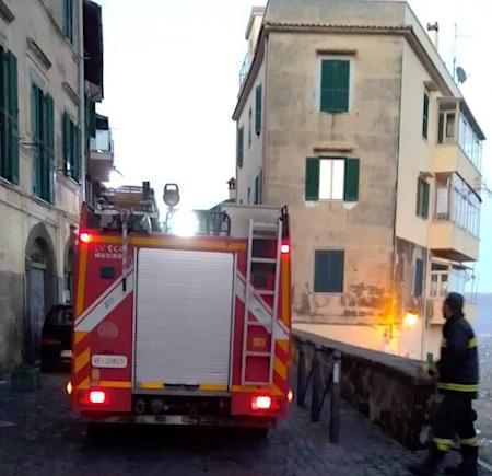 viaPeschio incendio1 montecompatri ilmamilio