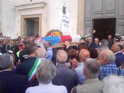 funerali eleuteri5 ilmamilio