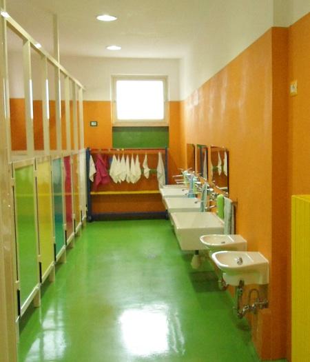 Frascati, alle Scuole Pie benefattore e genitori rifanno i bagni ...